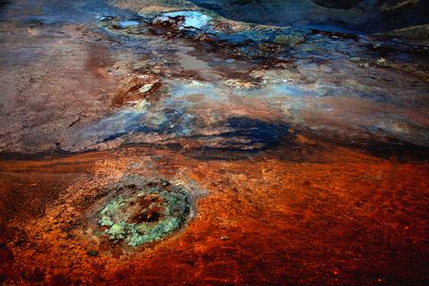 Tim-Navis mud springs Iceland