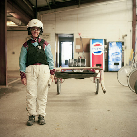 Fascinating Portraits of the Regulars at a New Jersey Racetrack