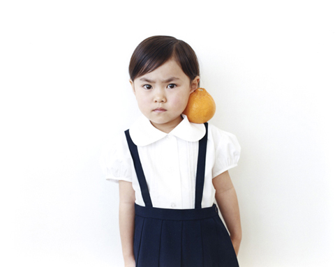 Irresistible Portraits of Little Japanese Girls Posing with Fruit