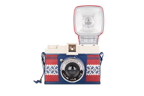 Call for Submissions: Winter Photos (Sponsored by Lomography)