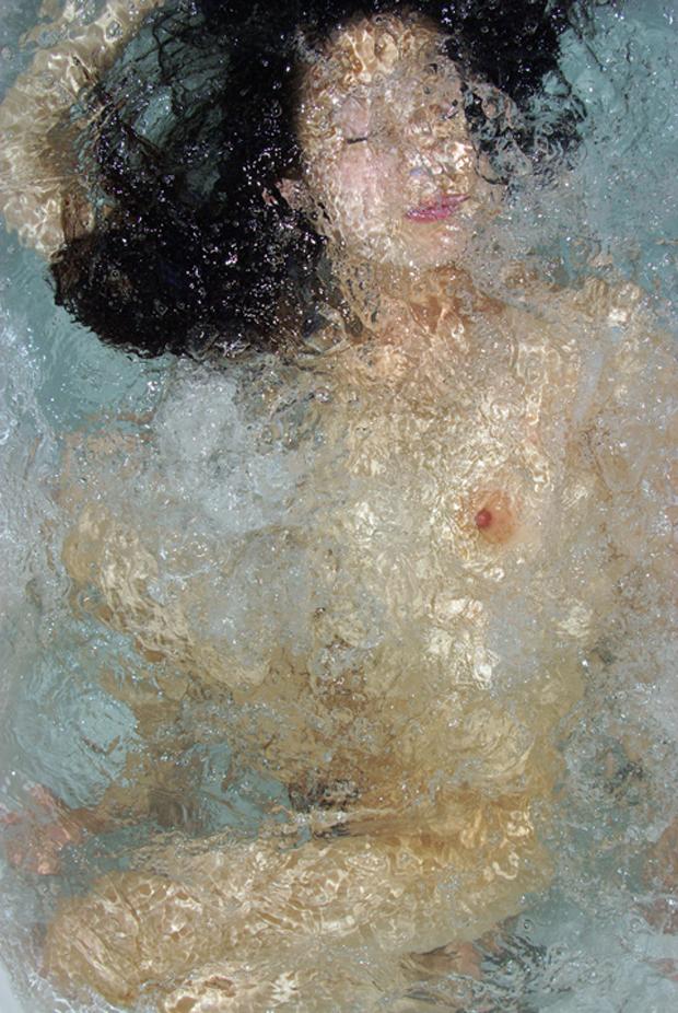 Noriko Yabu's Remarkable Underwater Nude Self Portraits (NSFW)