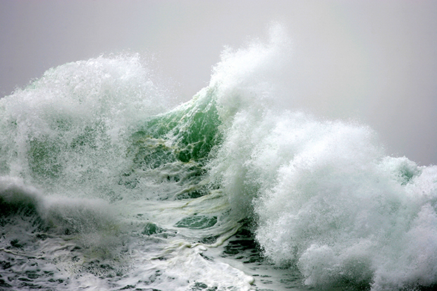 Dramatic Photos of Ocean Waves As Seen Through the Eyes of a Buddhist Monk