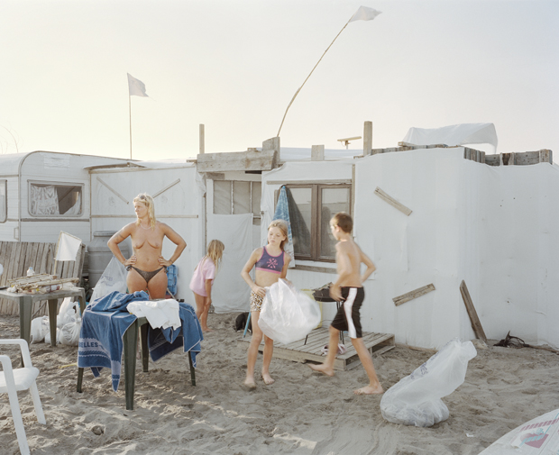 Magical Photos of Families Camping on Piémanson Beach in the South of France - Feature Shoot