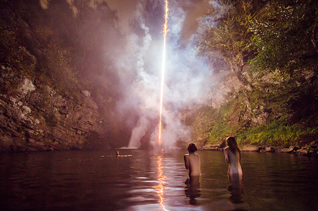Photo du Jour: Youth, Waterfalls and Roman Candles