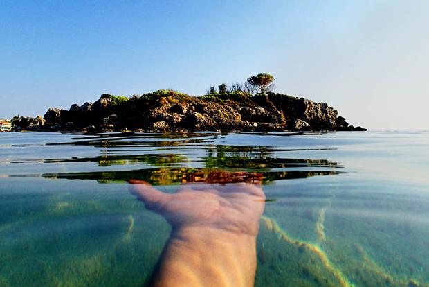Photo du Jour: The Hand of God