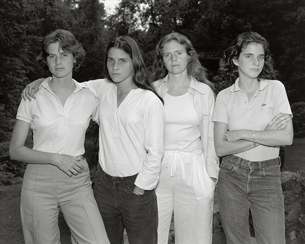 Photographer Shoots Four Sisters Every Year for 40 Years, with Astonishing Results
