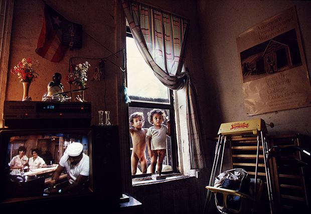 joseph_rodriguez_jason-and-anthony-looking-into-rodriguez-home