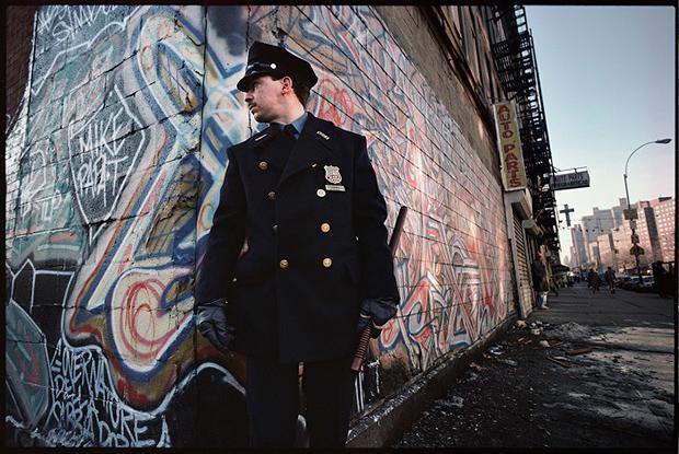 joseph_rodriguez_policeman_on_duty_spanish_harlem_1987