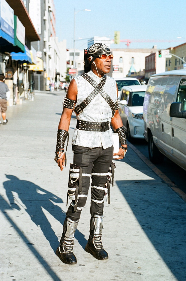 Los Angeles Photographer Discovers Skid Row's Most Fashionable Residents