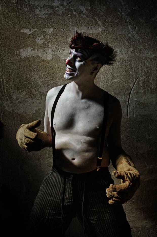 Portfolio_Clownville_jugglernaut_2.jpg