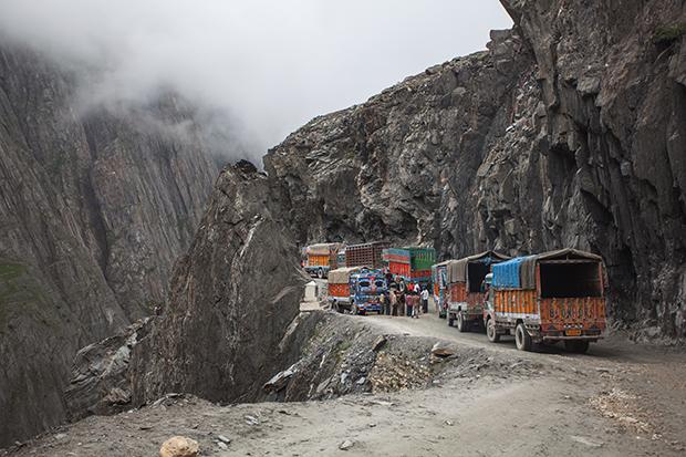 Awe-Inspiring Photos Capture the Majesty of the Himalayan Zoji Pass