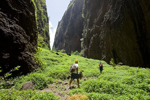 Hiking_215936