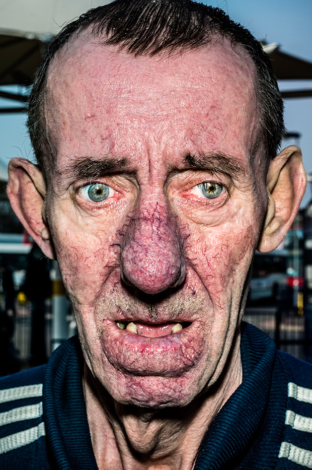 A Collection of Bruce Gilden's Up Close and Personal Portraits