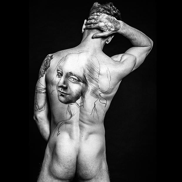 tattooed-nude-male-model