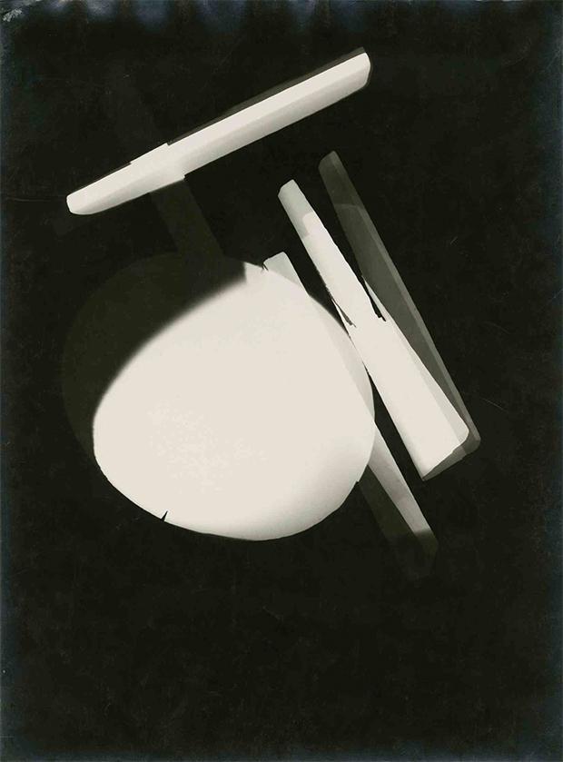 Laszlo-Moholy-Nagy_Photogram_Dessau_1925