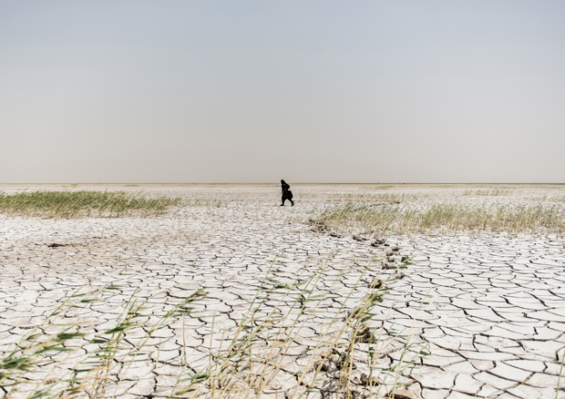 Powerful Photos Document the Iranian People Derailed by the Current Water Crisis