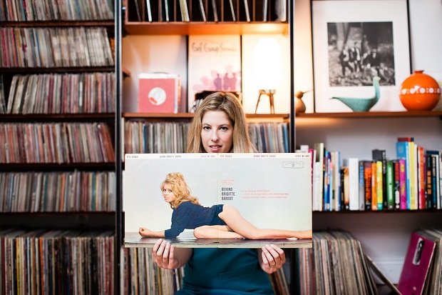 Sheila Burgel - A vinyl record collector from Brooklyn, NY, specializes in girl pop groups. photographed at her home in Brooklyn for Dust & Grooves, a vinyl photo site. © Copyright - Eilon Paz - www.dustandgrooves.com