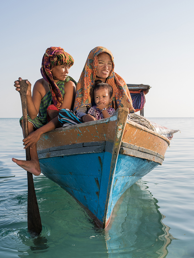 Photographer Captures the Sea Gypsies of Borneo and Their Vanishing Way of Life
