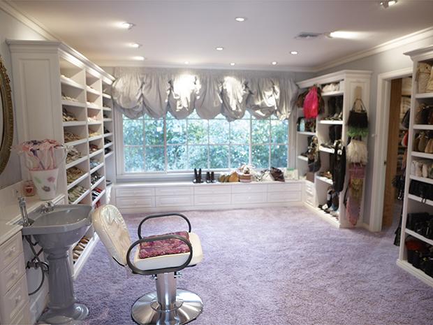 The_Shoe_closet[1]