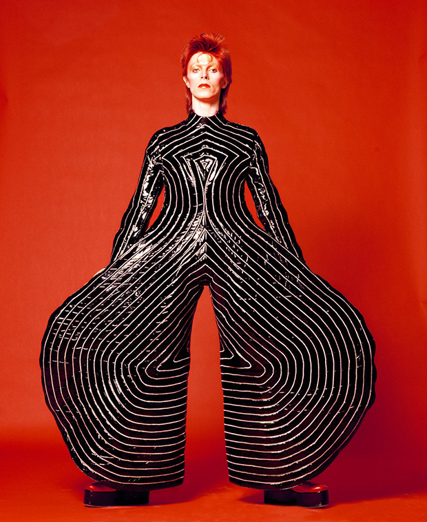 david-bowie-1-Striped-bodysuit-for-Aladdin-Sane_105258680922