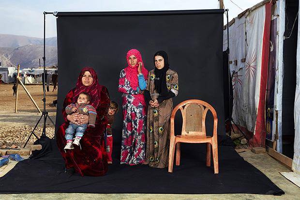 © Dario Mitidieri - Lost Family Portraits - FB Insta