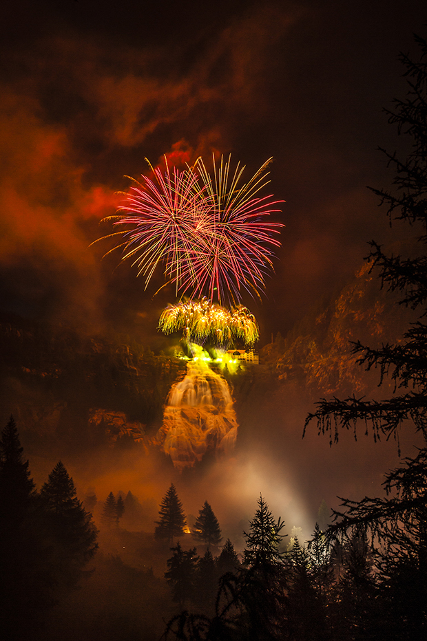 Extraordinary Yet Unconventional Photos of Fireworks (Sponsored)