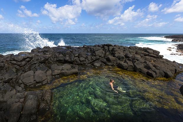 Swimming in Queens bath Kauai