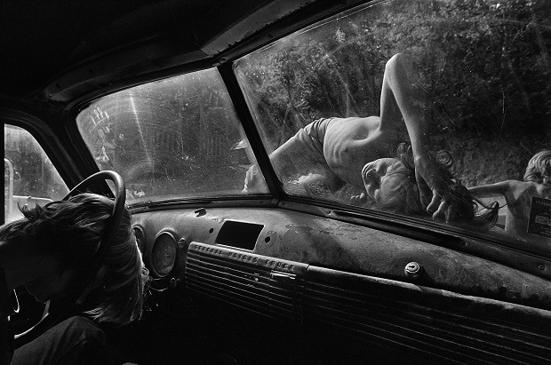 still-house-hollow-tennessee-1986-eugene-richards