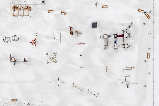 kacper-kowalski_sideeffects_depth-of-winter15