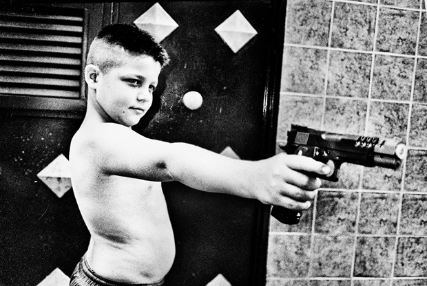 Two Photographers Turn Their Lens On One of the Most Violent Areas of Naples