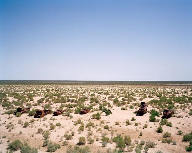 marco-barbieri-water-in-the-desert-boats-1