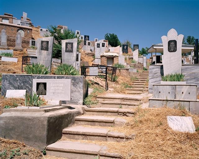 marco-barbieri-water-in-the-desert-cemetery