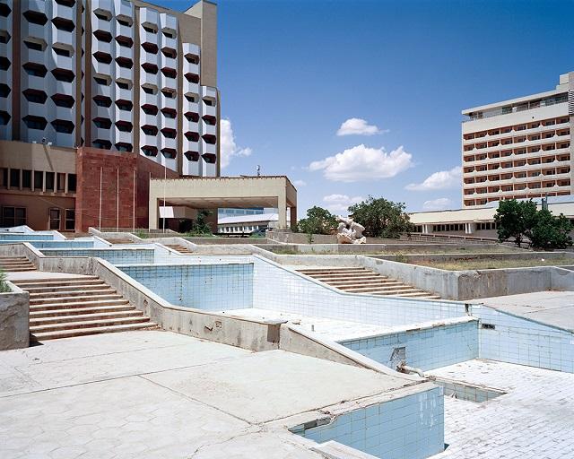 marco-barbieri-water-in-the-desert-missing-fountain