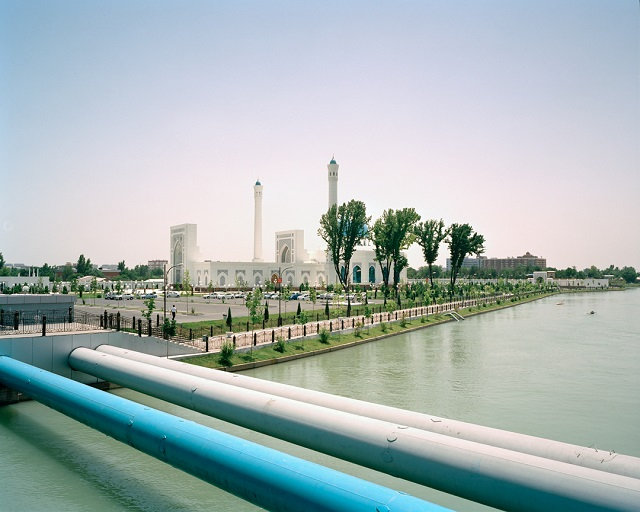 marco-barbieri-water-in-the-desert-mosque-and-canals