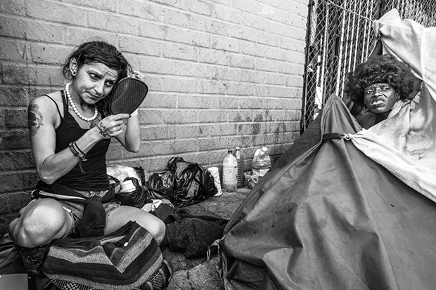 The Trauma of Life on Skid Row, in Photos - Feature Shoot