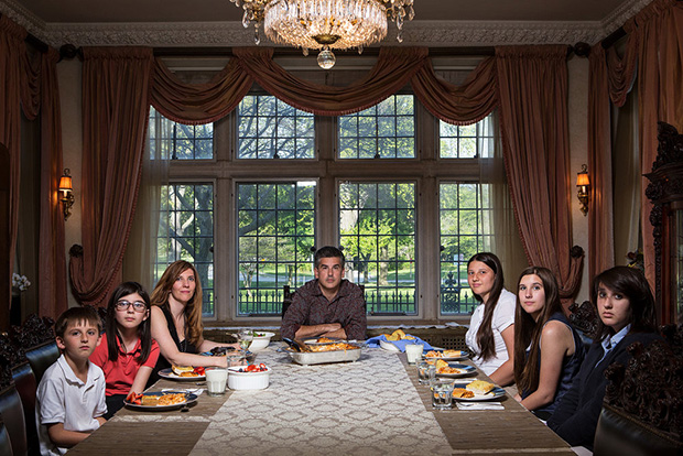 This Is What Dinnertime Looks Like in Different Households - Feature Shoot