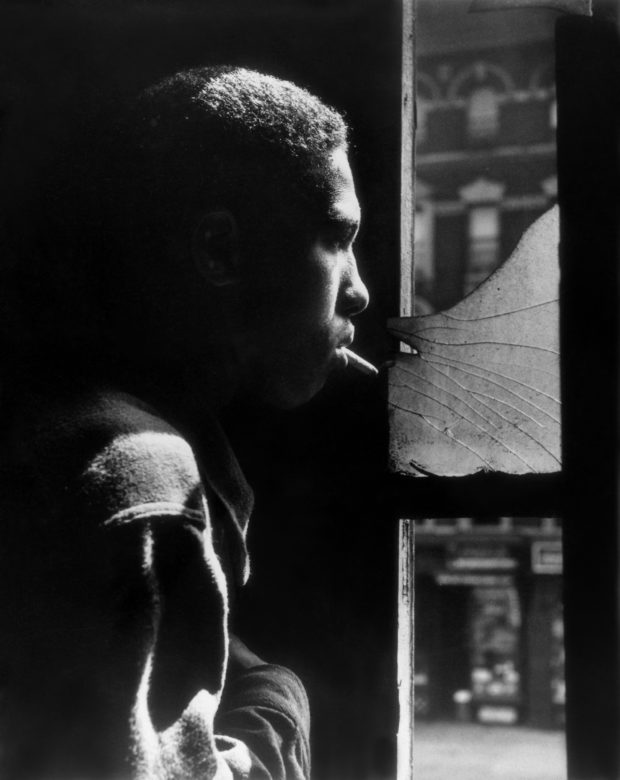 "A Fresh Look at Gordon Parks' Photo Essay ""Harlem Gang Leader"" - Feature Shoot"
