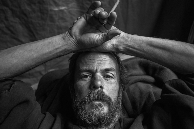 Courageous Photos from the Life of a Homeless Veteran - Feature Shoot