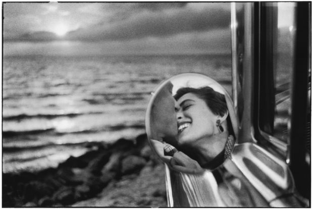A Deep Dive Into Elliott Erwitt's Remarkable Life in Photography