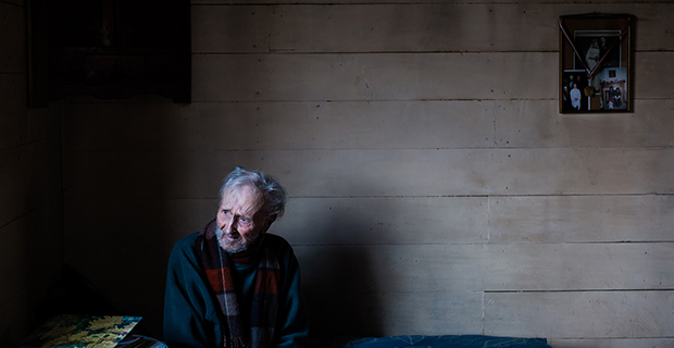 Poignant Photos of a Man in the Final Year of His Life