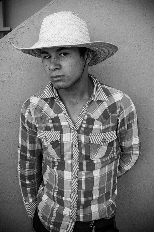 Powerful Portraits of People Living in Purgatory at the US/Mexico Border