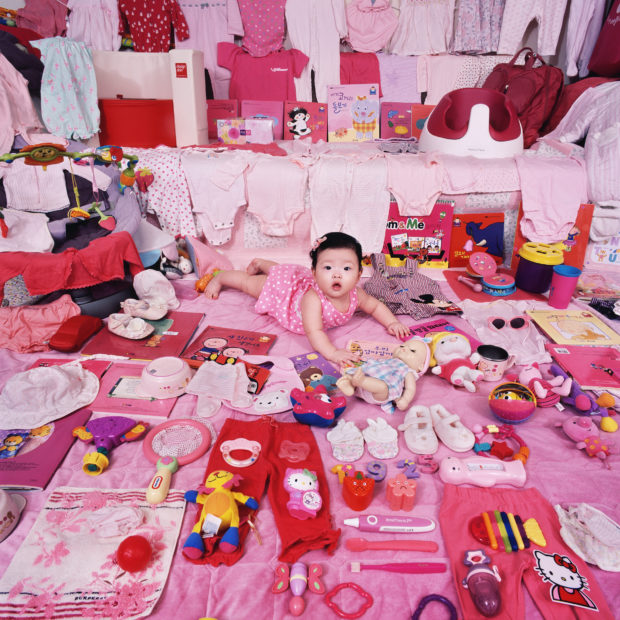 Thought-Provoking Photos of Children In Their Color-Coded Rooms - Feature Shoot