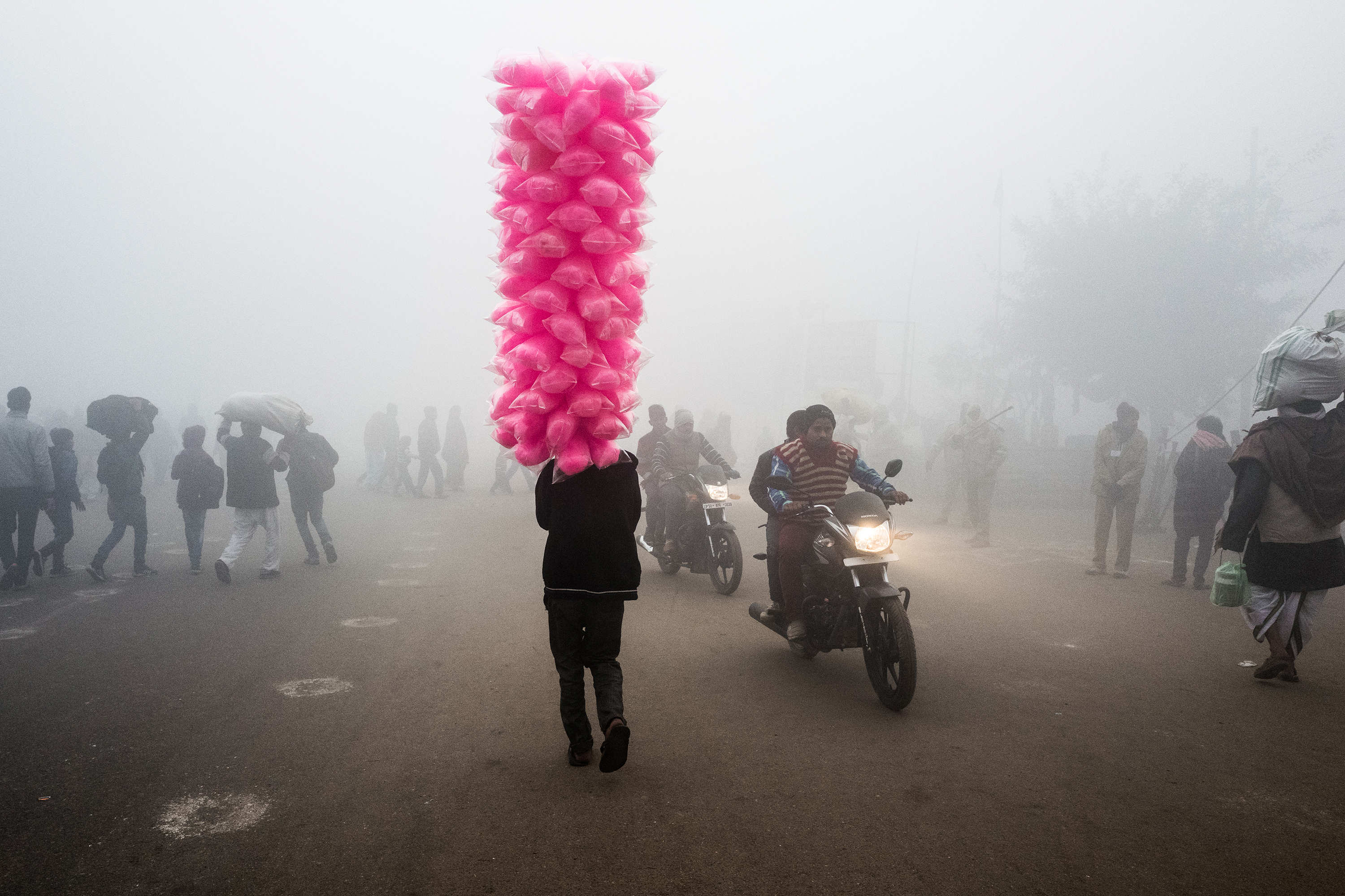 Photos Capture the 'Serenity and Chaos' of India